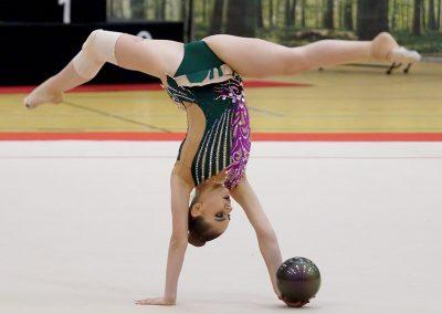 w04440_Elisaveta-Dogotari#Turn-Klubb-zu-Hannover#Ball#NI#
